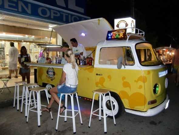 Todo o charme da Kombi Food Truck 011