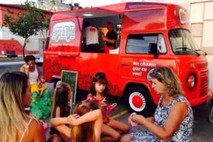 Todo o charme da Kombi Food Truck 019