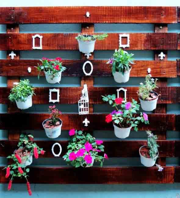 Aprenda a fazer um jardim vertical com paletes 012