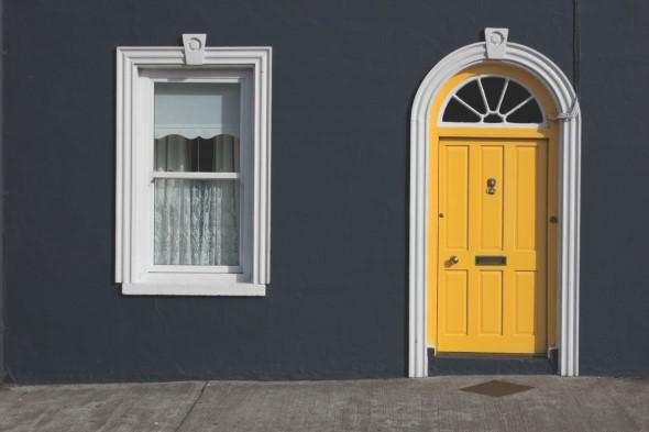 Cores das portas podem fazer diferença na decoração 018