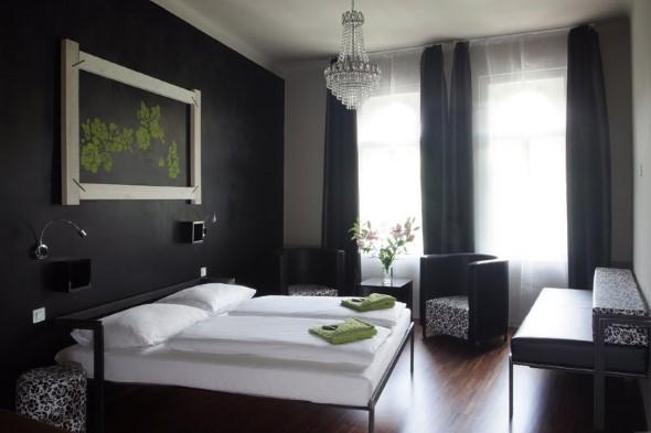 Decoração preto e branco no quarto 017