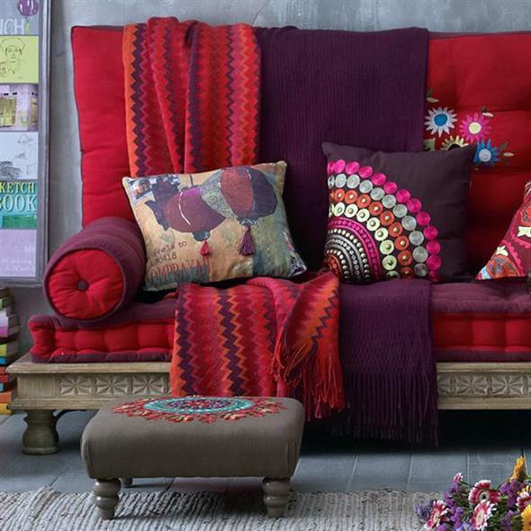 Combinações de almofadas e mantas na decoração 017