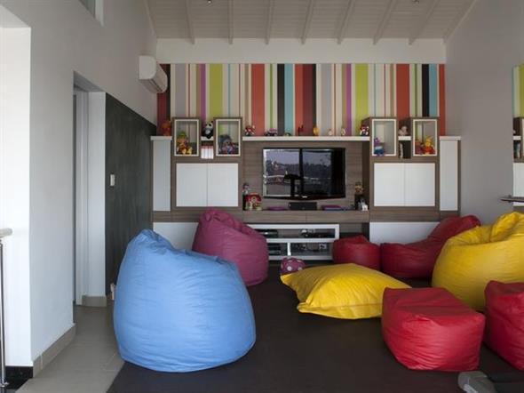 Decorar a sala de estar com um visual descontraído 015