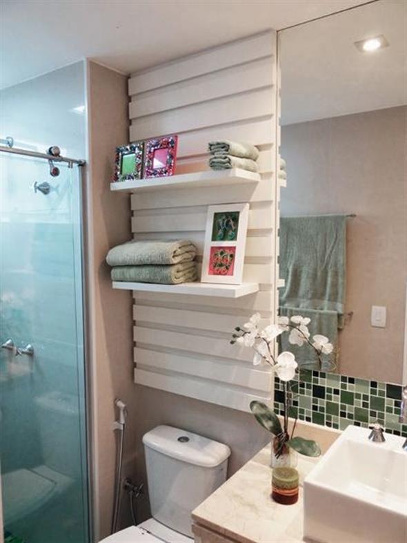 Prateleiras e nichos para banheiro 012