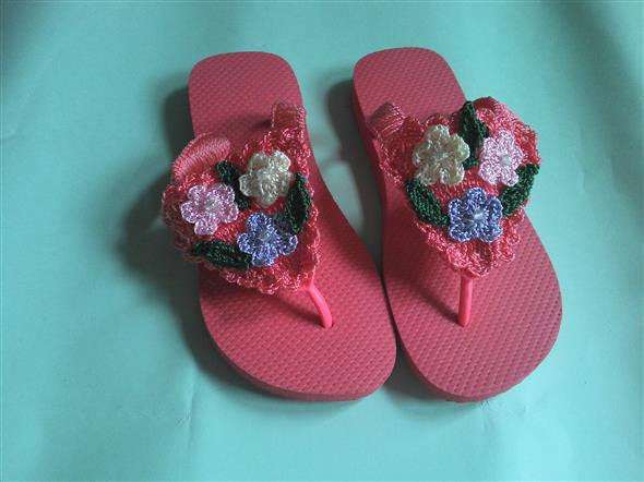 Decorar chinelo com crochê 001