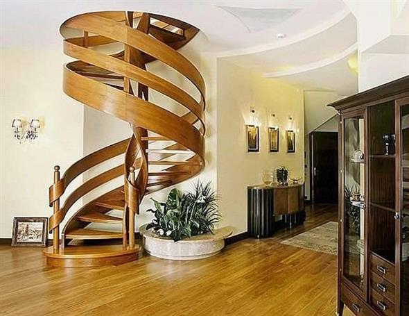 Escada caracol, a escada mais usada para casas pequenas e compactas.