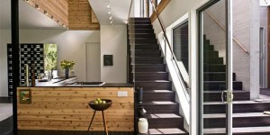 Escada reta, o modelo mais convencional de escada interna.