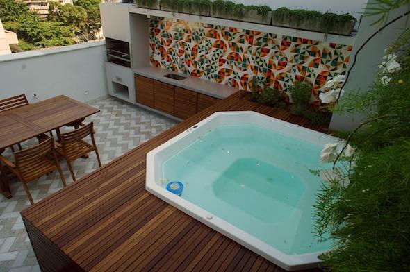 Modelos de piscinas pequenas for Modelos de piscinas con jacuzzi