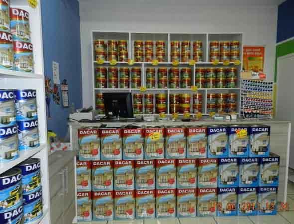 Consulte o vendedor para saber quais as marcas e modelos de tinta mais indicados para usar aí na sua casa.