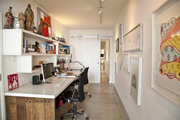 home-office-no-corredor-de-casa-001