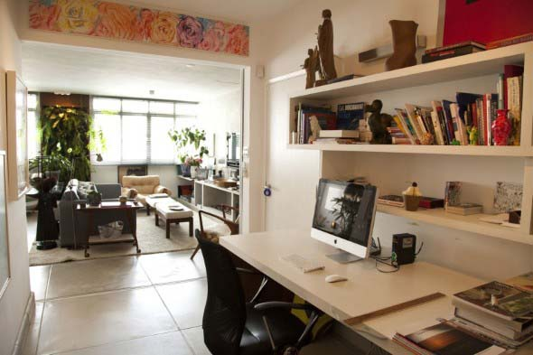 home-office-no-corredor-de-casa-002
