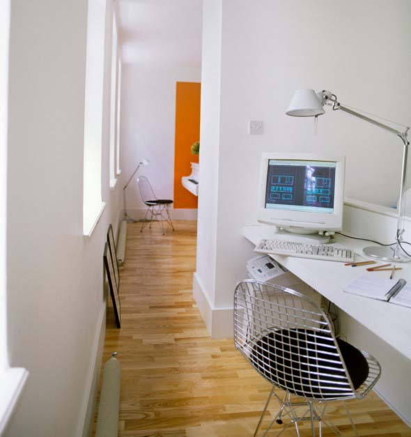 home-office-no-corredor-de-casa-015