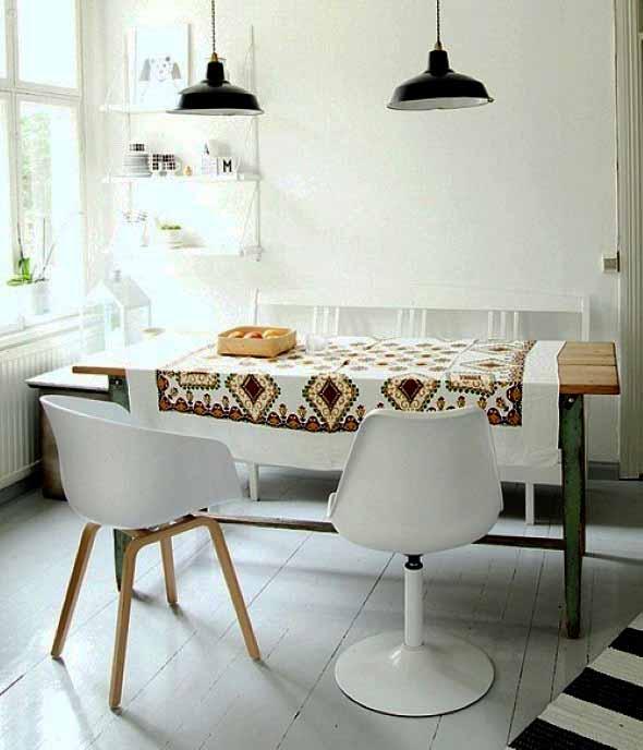 mesa-rustica-com-cadeiras-modernas-003