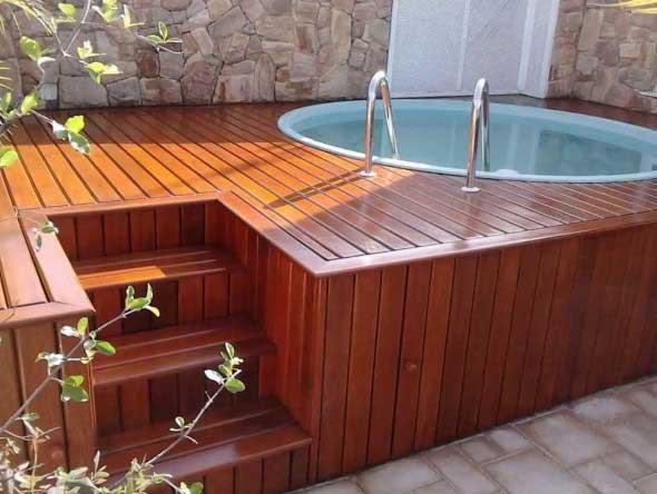 piscina-com-deck-de-madeira-003