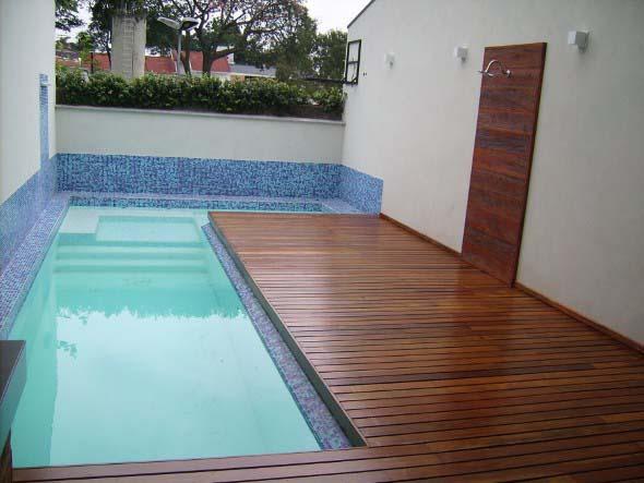 piscina-com-deck-de-madeira-013
