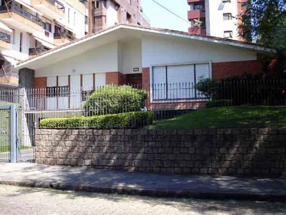 modelos-de-muros-para-fachadas-de-casas-001