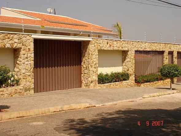 modelos-de-muros-para-fachadas-de-casas-002