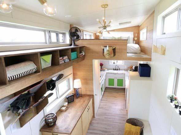 Casa de madeira charmosa e funcional 002