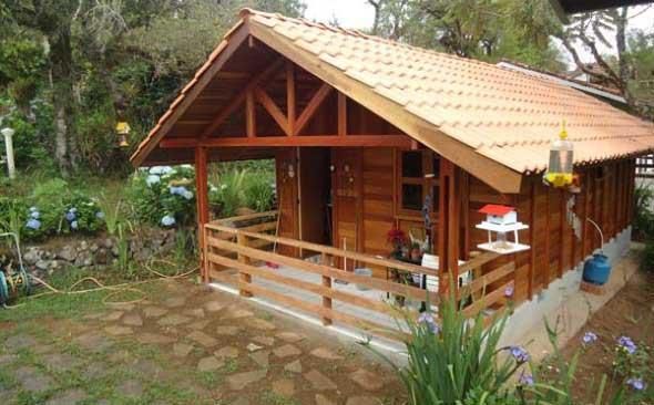 Casa de madeira charmosa e funcional 006