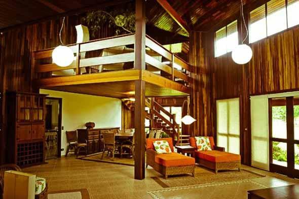 Casa de madeira charmosa e funcional 008