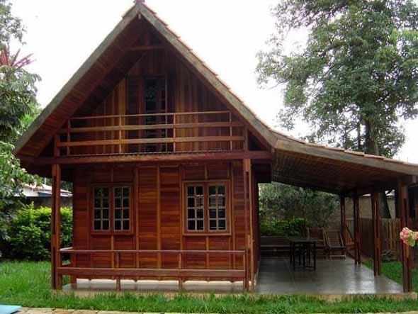 Casa de madeira charmosa e funcional 010