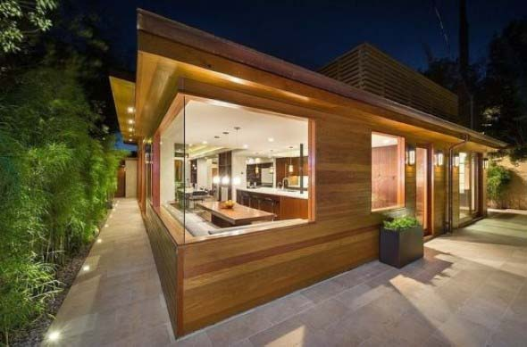 Casa de madeira charmosa e funcional 021