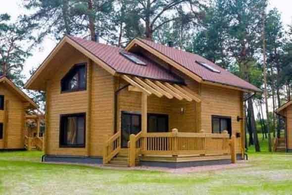 Casa de madeira charmosa e funcional 022