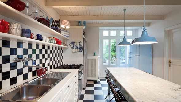 cozinhas-com-mesas-017