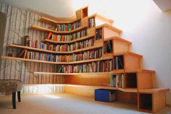 faca-do-espaco-da-escada-uma-biblioteca-003