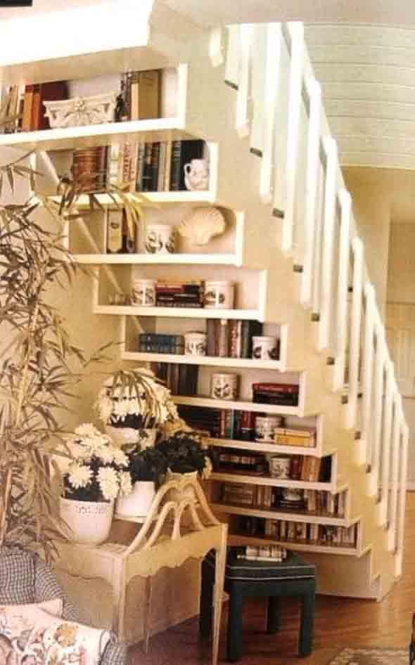 faca-do-espaco-da-escada-uma-biblioteca-014