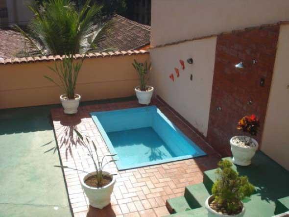 Projeto piscina para quintal pequeno for Piscinas pequenas para patios pequenos