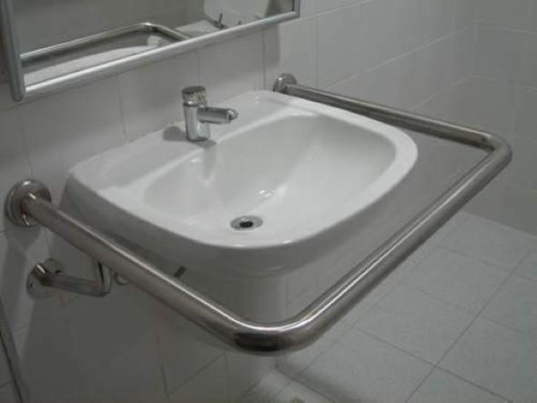 Como instalar barra de apoio no banheiro 003
