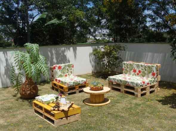 Ideias criativas para usar paletes no jardim de casa 003