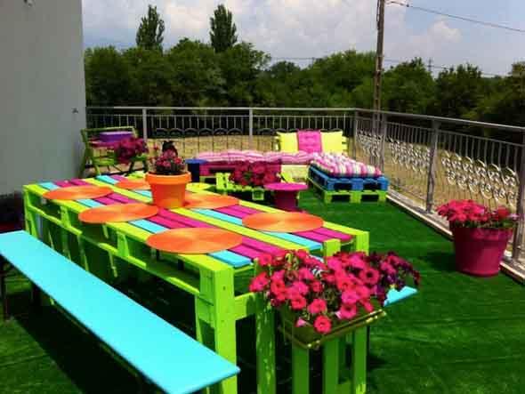 Ideias criativas para usar paletes no jardim de casa 004