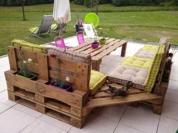 Ideias criativas para usar paletes no jardim de casa 007