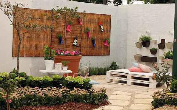 Ideias criativas para usar paletes no jardim de casa 011