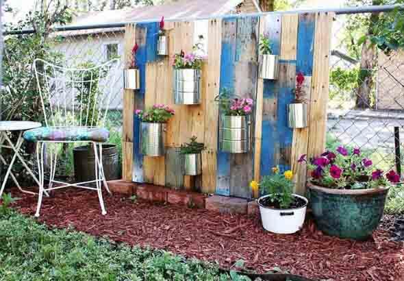 Ideias criativas para usar paletes no jardim de casa 015