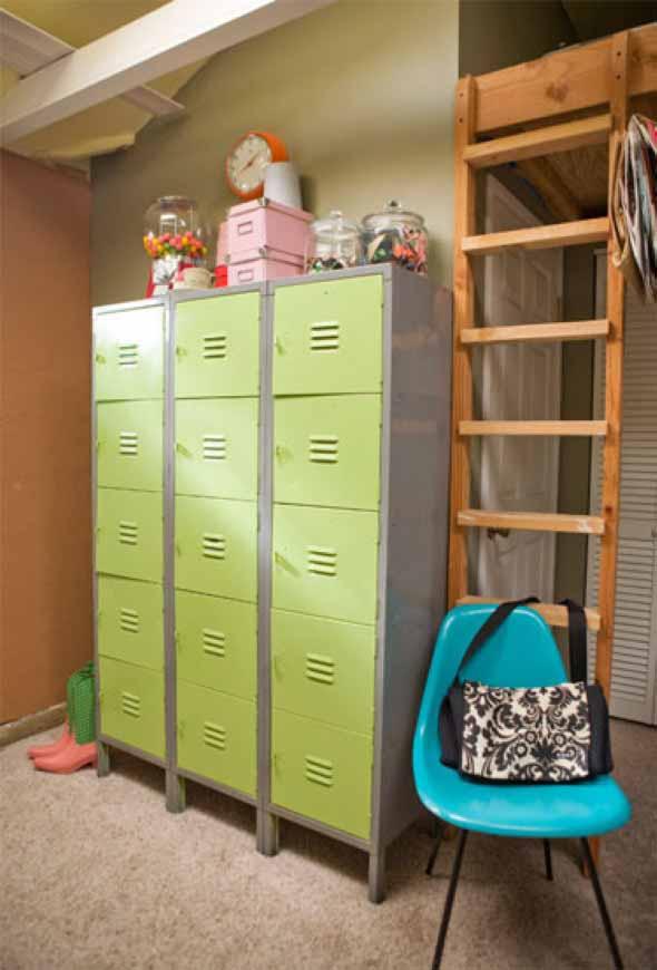 Decoração com armário de metal 015
