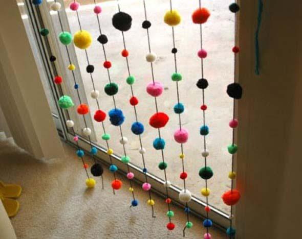 Cortinas coloridas na decoração 024