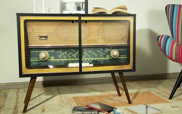 Decoração retro com eletrônicos antigos 021
