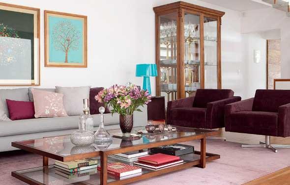 Móveis antigos na decoração da sala de estar 012
