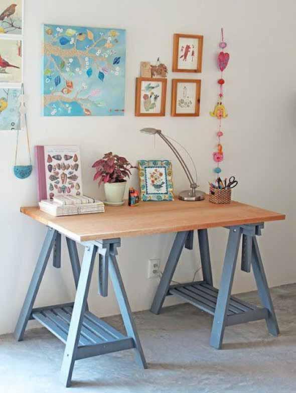 Mesa com cavaletes 002