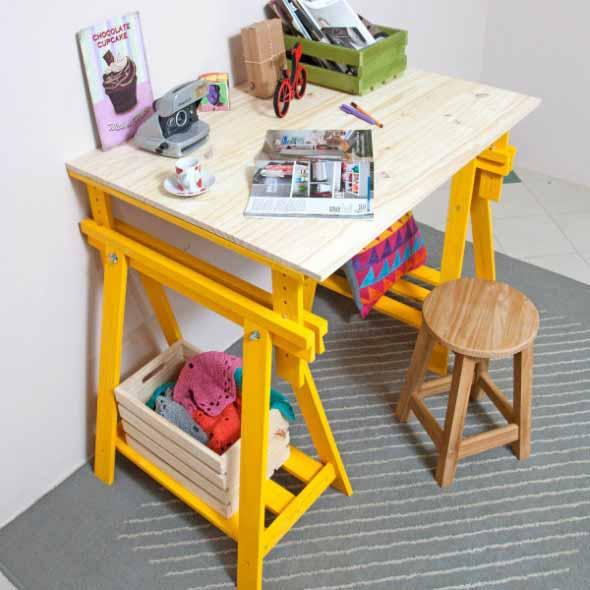 Mesa com cavaletes 005