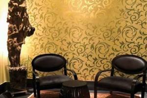 Papel de parede metalizado na decoração 015