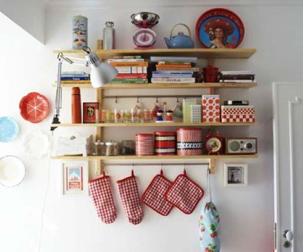 Prateleiras na decoração da cozinha 003