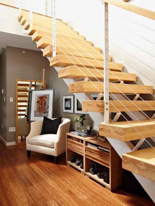 Aproveitar o vão da escada 011