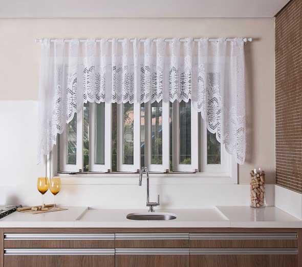 Cortinas na cozinha confira modelos charmosos e convidativos for Modelos de cortinas