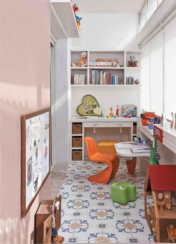 Espaço divertido para crianças em casa 009