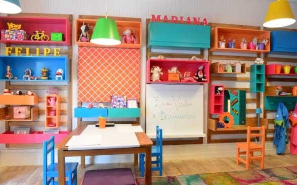 Espaço divertido para crianças em casa 018