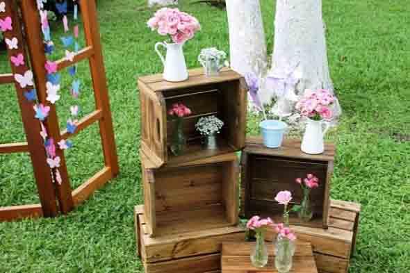 Caixotes de madeira na decoração 024